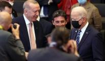 Joe Biden Erdoğan ın yanına giderek selam verdi video