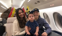 Mesut Özil i İstanbul a getirecek uçak havalandı