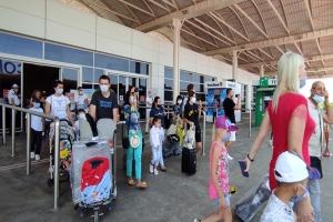 Antalya'ya 12 bin 200 Rus turist bekleniyor#video