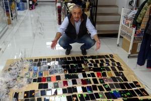 İstanbul Havalimanı'nda unutulan telefonlar satışta #video