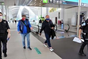 Uçakta maske takmadı, para cezası kesildi(video)