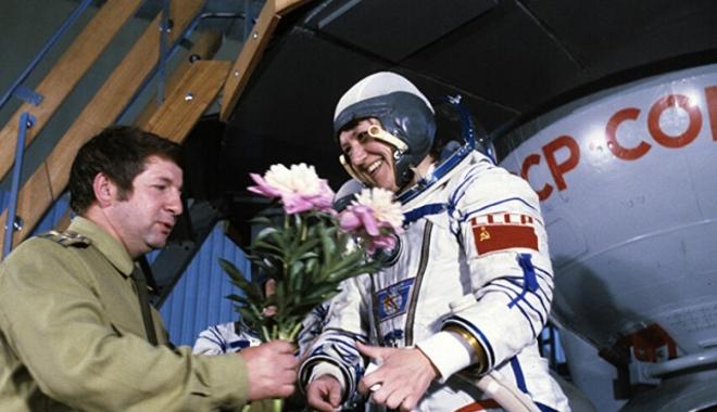 25 Temmuz tarihte bugün: Manş Denizi\'ni aşan ilk uçak, uzayda yürüyen ilk kadın...