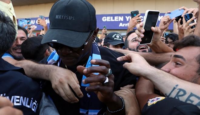 Adana\'da Mario Balotelli izdihamı #video