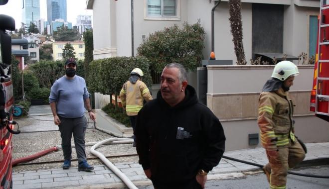 Cem Yılmaz\'ın evinde yangın çıktı (video)