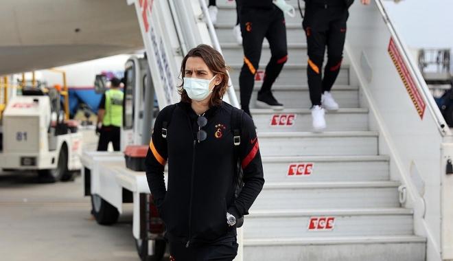 Galatasaray, özel uçakla İzmir\'e geldi