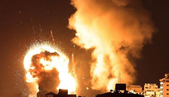İsrail savaş uçakları Gazze\'yi vuruyor#video