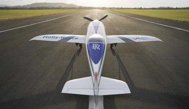 Rolls-Royce\'un tamamen elektrikli uçağı