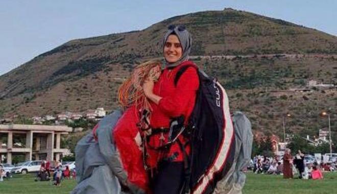 video#Yamaç paraşütüyle kaza geçiren Hilal, ağır yaralandı